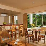 SUSCZ Suite Tropical View Living